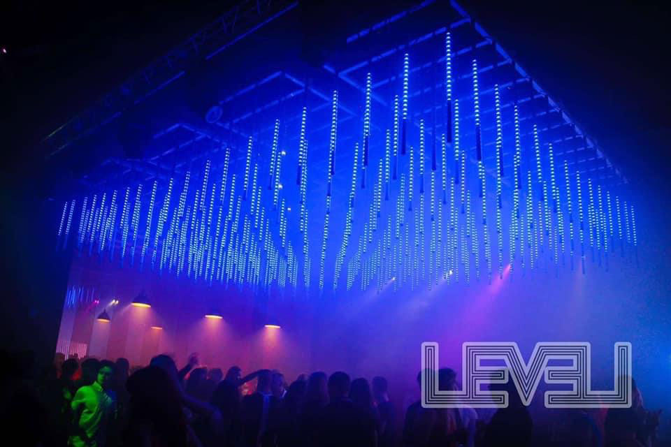 V-PIX ™ 3D Tubes raise nightclub lighting to another LEVEL